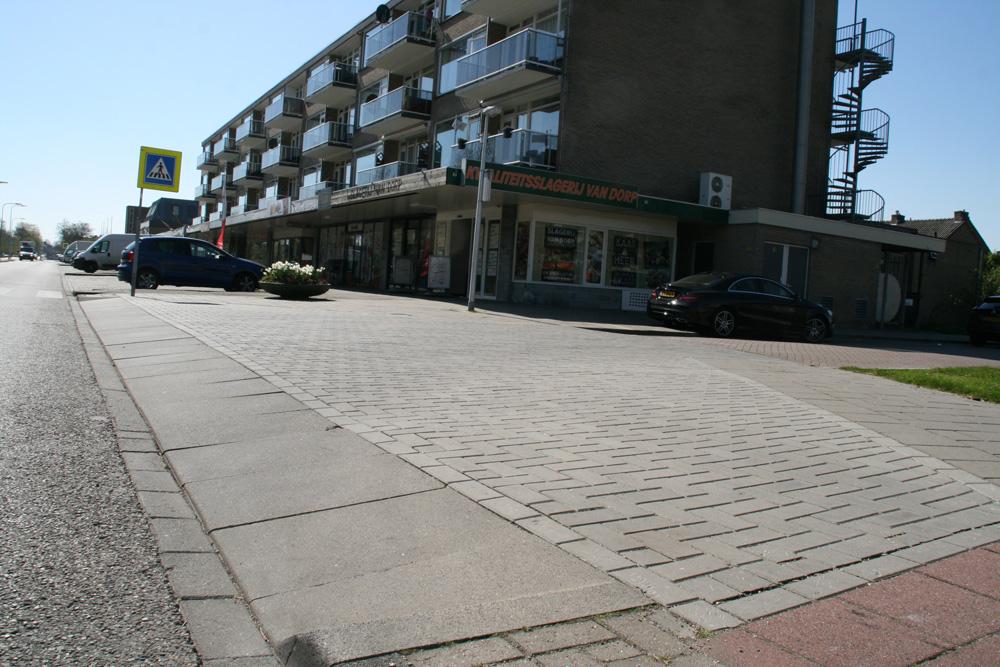 Circulaire, biobased betonstraatstenen voor inritten in Waddinxveen