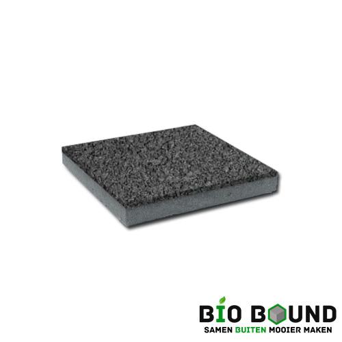circulaire, biobased betontegel watergestraald basalt 3-5 glanskies